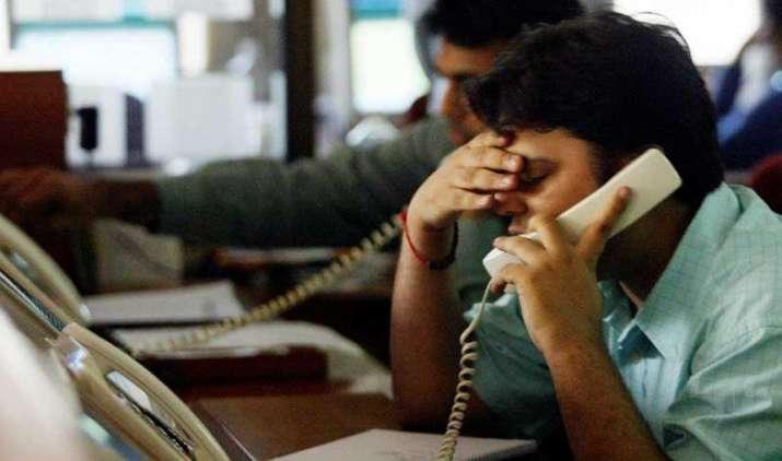 बजट के एक दिन पहले लुढ़के शेयर बाजार, सेंसेक्स 194 और निफ्टी 71 अंक गिरकर बंद, IT शेयर सबसे ज्यादा टूटे- India TV Paisa