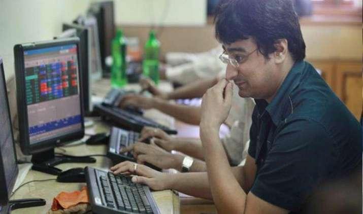 सेंसेक्स 70 और निफ्टी 25 अंक नीचे, Idea समेत इन चुनिंदा शेयरों में 10% से ज्यादा की तेजी- India TV Paisa