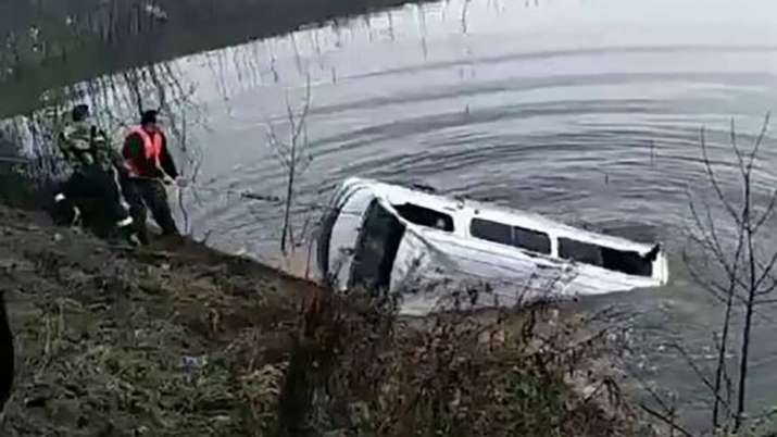 18 people die as bus falls in a lake in china- Khabar IndiaTV