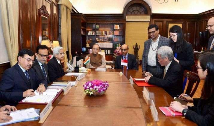 FDI की आड़ में धन की हेराफेरी करना होगा मुश्किल, टैक्स संधि संशोधन पर सिंगापुर ने किए हस्ताक्षर- India TV Paisa