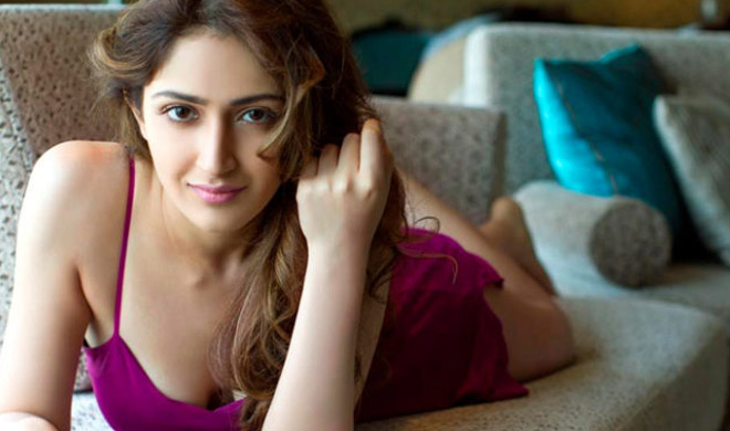 sayesha- Khabar IndiaTV