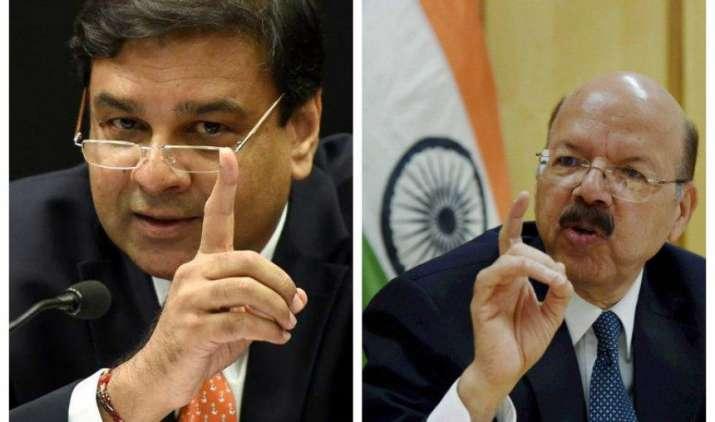 RBI और चुनाव आयोग आमने-समाने, सेंट्रल बैंक ने उम्मीदवारों की नकदी निकासी सीमा बढ़ाने से किया इनकार- India TV Paisa