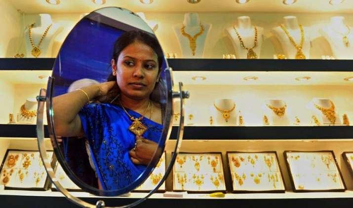 वेडिंग सीजन की वजह से बढ़ी सोने की डिमांड, चांदी की कीमतों में भी उछाल- India TV Paisa