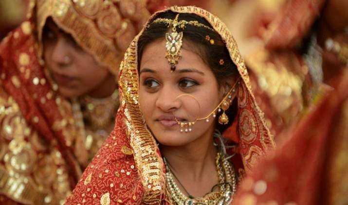 ज्वैलर्स की मांग घटने से सोना फिर 29000 के नीचे फिसला, लेकिन चांदी का भाव 180 रुपए बढ़ा- IndiaTV Paisa