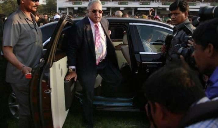 बिक गईं विजय माल्या की ये 5 शानदार कारें, लगी इतने लाख रुपए की बोली- India TV Paisa