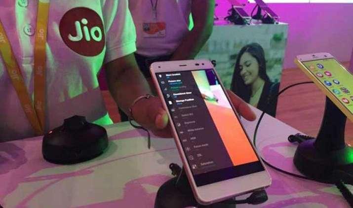 Reliance Jio करेगी 30,000 करोड़ रुपए का नया निवेश, नेटवर्क क्षमता का विस्तार कर जोड़ेगी नए ग्राहक- India TV Paisa