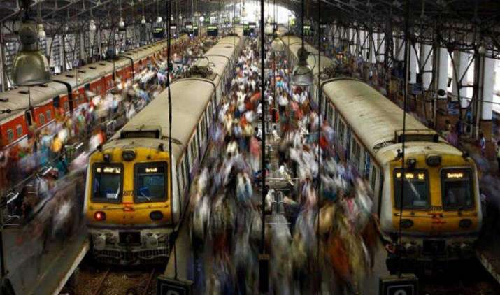 100 उपक्रमों का निजीकरण, 50 रेलवे स्टेशनों का पीपीपी के जरिए विकास करे सरकार: सीआईआई- India TV Paisa