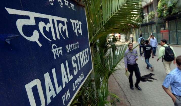 शेयर बाजार: आम बजट से तय होगी बाजार की चाल, बढ़ सकती है आयकर छूट की सीमा- India TV Paisa
