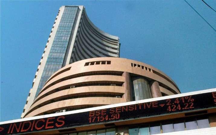 बजट में अच्छी घोषणाओं को लेकर बाजार में बढ़ी उम्मीदें, सेंसेक्स 82 अंक चढ़कर 27,117 पर हुआ बंद- India TV Paisa