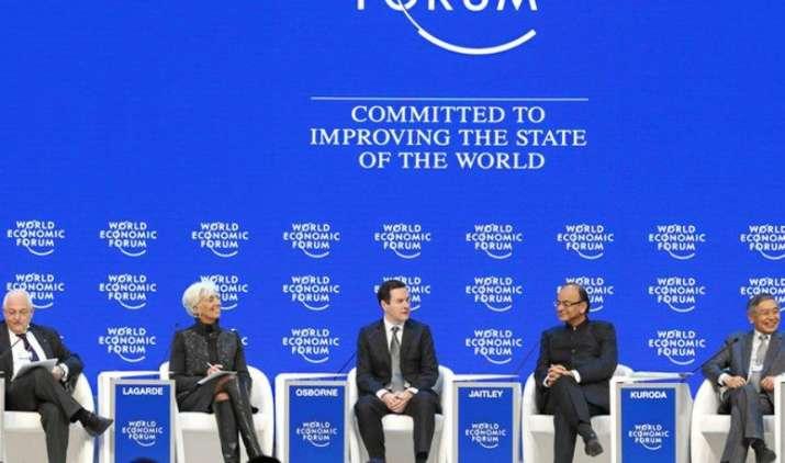 WEF में नोटबंदी पर PM मोदी की हुई तारीफ, एक्सपर्ट्स ने कहा- लॉन्ग टर्म में मजबूत होगी भारत की अर्थव्यवस्था- India TV Paisa