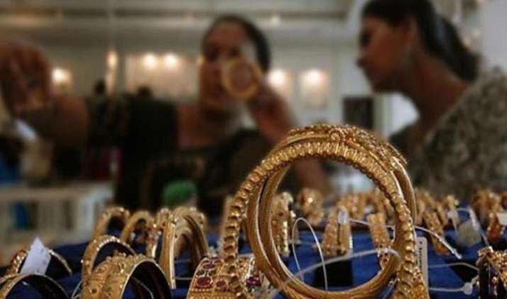 Gold Sheen: एक महीने के उच्च स्तर पर पहुंची सोने की कीमत, 29,250 रुपए प्रति दस ग्राम हुआ भाव- India TV Paisa