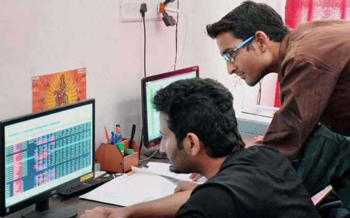 तीसरे दिन सेंसेक्स 332 अंक चढ़ा, तीन महीने बाद निफ्टी ने पार किया 8600 का स्तर- India TV Paisa