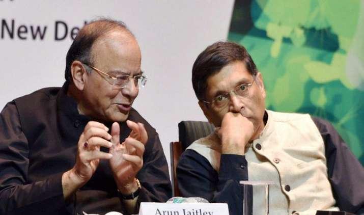GST लागू होने पर अप्रत्यक्ष कर अनुमान नए सिरे से तय कर सकती है सरकार, बजट में परंपरागत तरीके से लगाया अनुमान- India TV Paisa