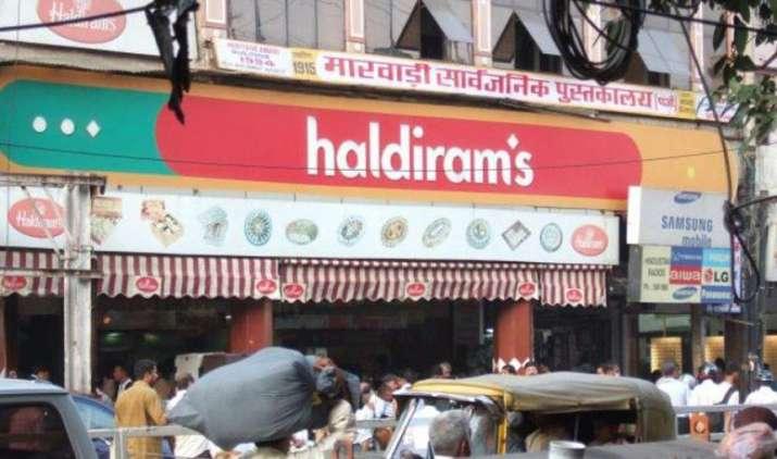 एक छोटी से दुकान से शुरू हुई हल्दीराम की कमाई पहुंची 4 हजार करोड़ के पार, MNCs को पीछे छोड़ बनी नंबर 1- India TV Paisa