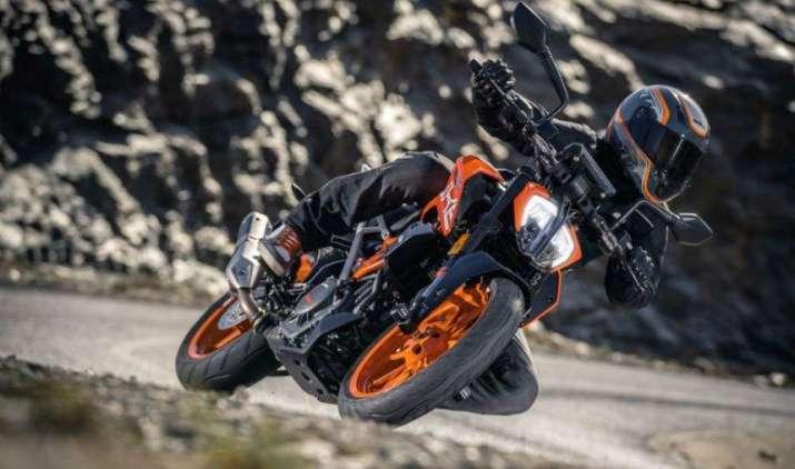 KTM सुपर बाइक्स की कीमतों में 8600 रुपए तक की कटौती, लेकिन पुडुचेरी में महंगी हुईं बाइक- IndiaTV Paisa