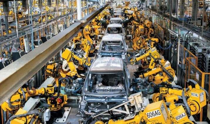 सुप्रीम कोर्ट ने 1 अप्रैल से देशभर में BS-III वाहनों की बिक्री पर लगाई रोक, ऑटो कंपनियों को लगा झटका- India TV Paisa