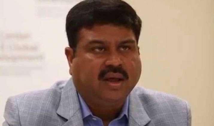 भारत एकीकृत कंपनियों का समर्थन करता है पर एकाधिकार के खिलाफ : प्रधान- IndiaTV Paisa