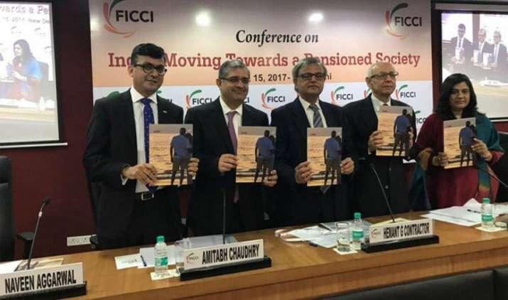 कर्मचारियों के रिटायरमेंट स्कीम पर तत्काल ध्यान देने की है जरूरत, सिर्फ 12% को मिल रहा है पेंशन का लाभ : रिपोर्ट- India TV Paisa
