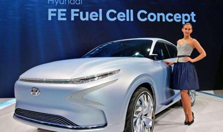 Hyundai ने उठाया नई स्टाइलिश कार से पर्दा, एक बार चार्ज करने पर चलेगी 800 किमी- IndiaTV Paisa