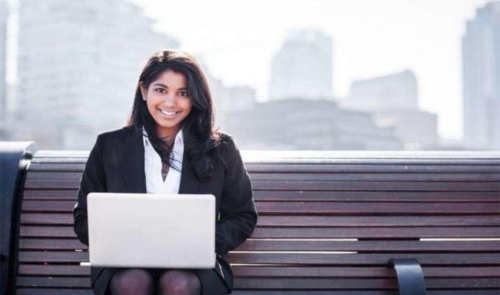 Womens Day Special: खास तौर से महिलाओं के लिए डिजाइन किए गए हैं ये बीमा प्रोडक्ट, जरूरत के अनुरूप उठाएं लाभ- IndiaTV Paisa