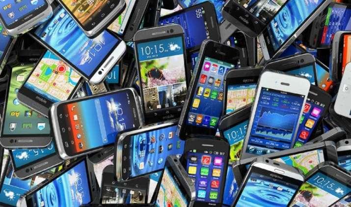 देश में बिना टेस्टिंग वाले स्मार्टफोन की भरमार, सीओएआई की क्वालिटी कंट्रोल सिस्सटम बनाने की मांग- India TV Paisa
