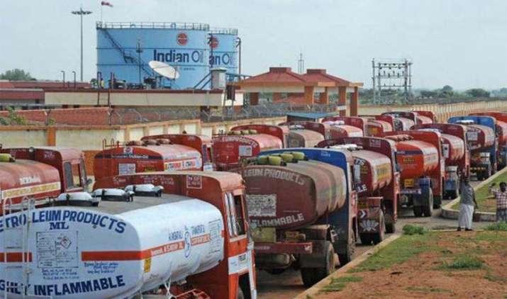 NGT ने पेट्रोलियम कंपनियों को दिया आदेश, NCR में BS-I और BS-II वाहनों का परिचालन करें बंद- IndiaTV Paisa
