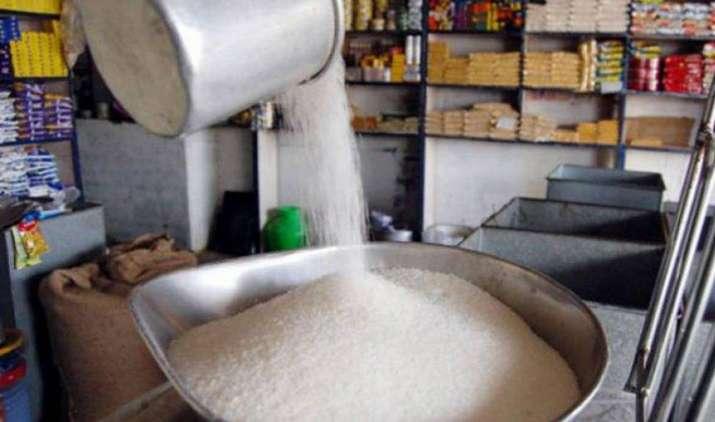 चीनी उत्पादन 19 फीसदी घटने का अनुमान, अधिक कीमत चुकाने के लिए हो जाइए तैयार- India TV Paisa