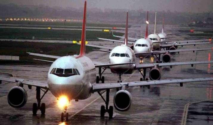 अगले महीने से शुरू होगी 'उड़ान' सेवा, क्षेत्रीय कनेक्टिविटी योजना में 5 एयरलाइन कंपनियों को आवंटित हुए 128 मार्ग- India TV Paisa