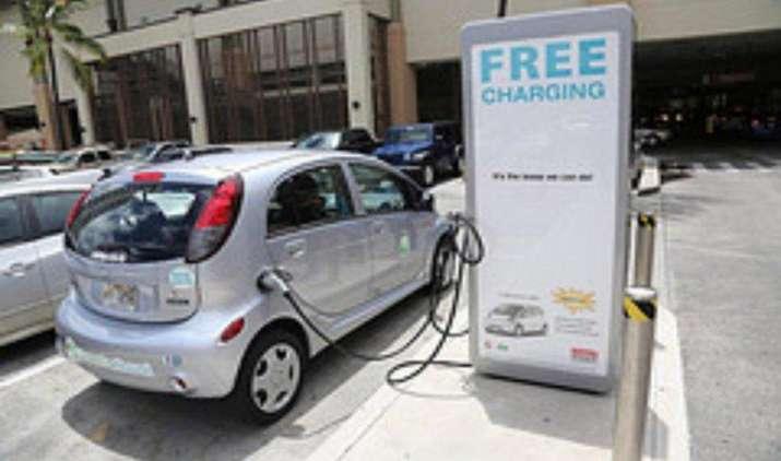 टाटा पावर-डीडीएल स्थापित करेगी 1,000 चार्जिंग स्टेशन, इलेक्ट्रिक वाहनों की बिक्री को मिलेगा बढ़ावा- India TV Paisa