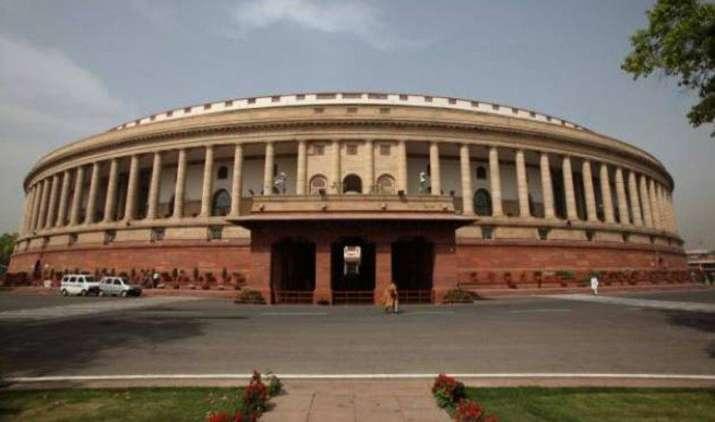 लोकसभा में पास हुआ GST संशोधन बिल, जेटली ने कहा उपयोग के आधार पर तय होगी टैक्स की दर- IndiaTV Paisa