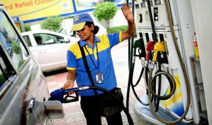 लॉन्ग ड्राइव पर जाने से पहले कर लें पेट्रोल की टंकी फुल, 16 जून से पेट्रोल पंप मालिकों ने दी हड़ताल की चेतावनी- India TV Paisa