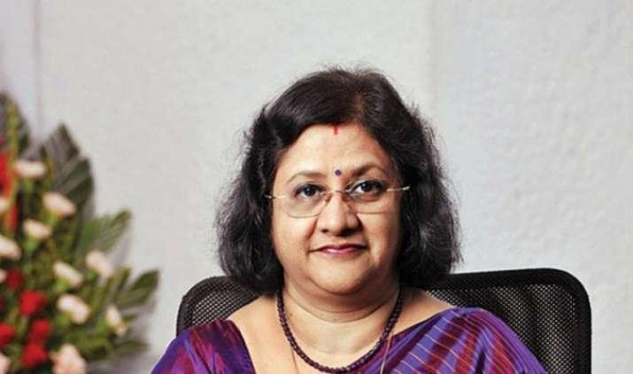 5,000 रुपए के मिनिमम बैलेंस मामले पर बोलीं SBI की चेयरपर्सन, नहीं हुआ नियमों में बदलाव- India TV Paisa