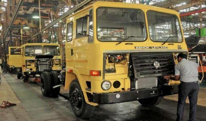 BS-III प्रतिबंध से अशोक लेलैंड के 10,000 से अधिक वाहन प्रभावित, कंपनी इस साल करेगी 6,00 करोड़ का निवेश- IndiaTV Paisa