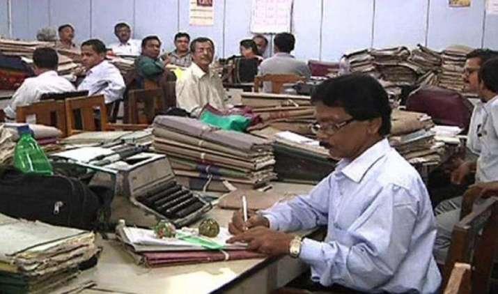 सरकार देगी 50 लाख केंद्रीय कर्मचारियों को बड़ा तोहफा, हो सकता है 5000 करोड़ के पैकेज का ऐलान- India TV Paisa