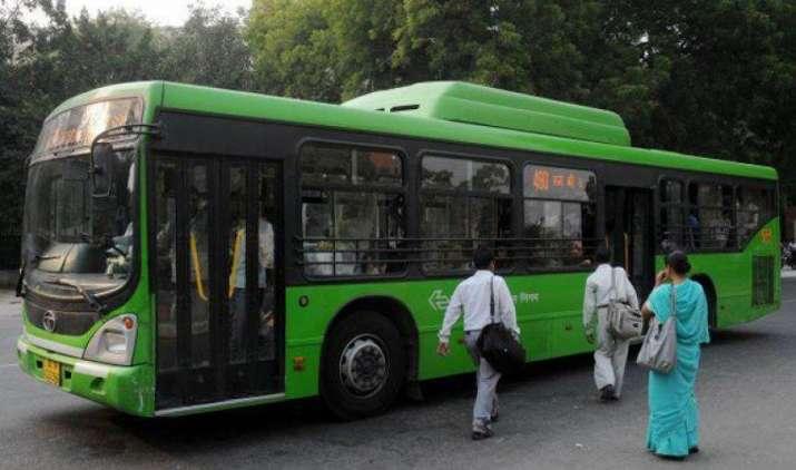 दफ्तर जाने वालों के लिए घर से बस सेवा शुरू करेगी DTC, यात्रा होगी सुगम- India TV Paisa