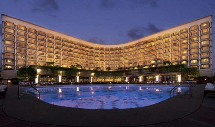 होटलों में खाने से ज्यादा साफ-सफाई, आराम को तरजीह देते हैं ग्राहक: सर्वेक्षण- India TV Paisa