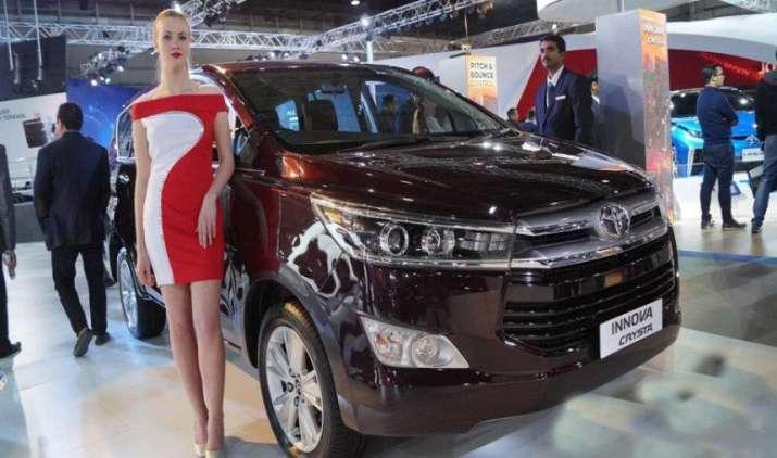 टोयोटा भारत में पेश करने जा रही है नई इनोवा क्रिस्टा स्पोर्ट, 3 मई को होगी लॉन्च- India TV Paisa