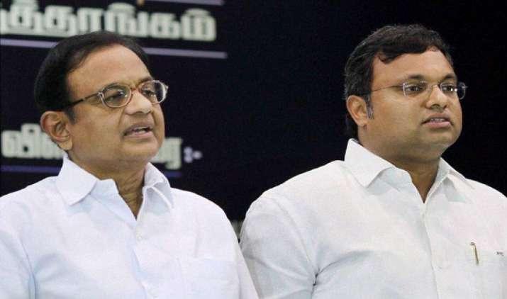 पूर्व वित्त मंत्री के बेटे कार्ती चिदंबरम के खिलाफ ED ने जारी किया नोटिस, फेमा के उल्लंघन का आरोप- India TV Paisa