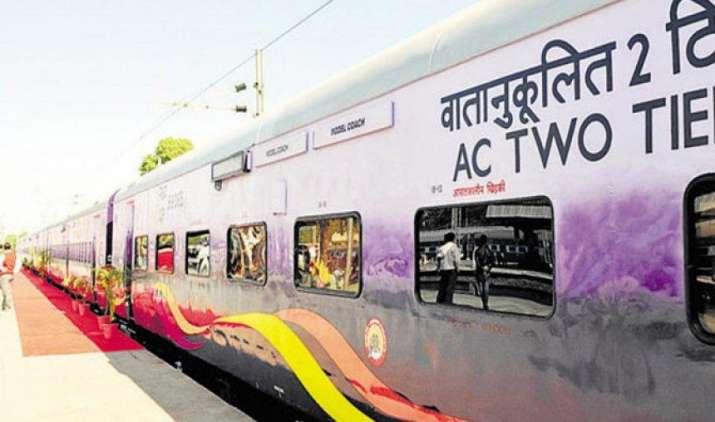 रेलवे में 5 लाख करोड़ के निवेश से होगा कायाकल्प, विश्व बैंक करेगा भारतीय रेल की मदद- India TV Paisa