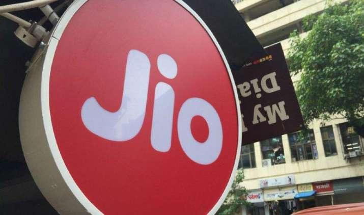 Jio का समर सरप्राइज ऑफर, महंगा प्लान लेने पर मिल रहा है 100 जीबी फ्री डाटा- India TV Paisa