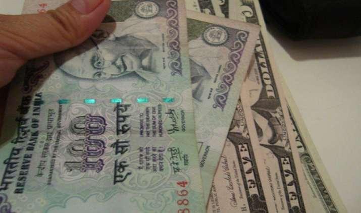 एक अमेरिकी डॉलर के मुकाबले भारतीय रुपया बुधवार को 6 पैसा कमजोर होकर 64.43 पर खुला- India TV Paisa