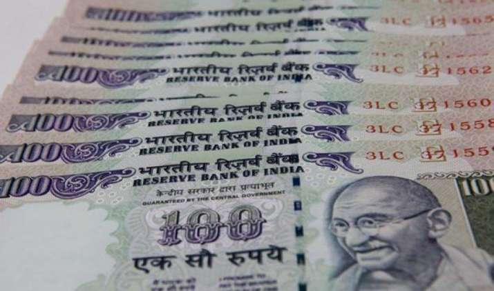 एक अमेरिकी डॉलर के मुकाबले भारतीय रुपया शुक्रवार को 8 पैसा कमजोर होकर 64.64 पर खुला- IndiaTV Paisa