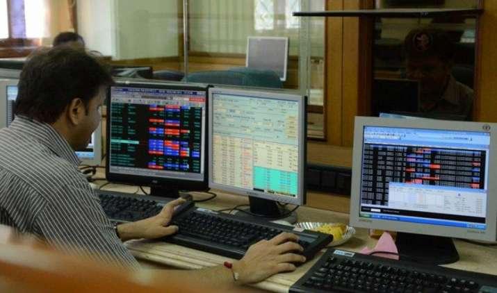 NSE में तकनीकी समस्या के कारण रुका कारोबार 3 घंटे बाद हुआ बहाल, निफ्टी 9722 और सेंसेक्स 31586 के स्तर पर- India TV Paisa