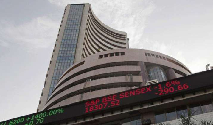 सेंसेक्स की टॉप दस में से चार कंपनियों का मार्केट कैप 32,394 करोड़ रुपए बढ़ा, एचडीएफसी बैंक को सबसे अधिक लाभ- India TV Paisa