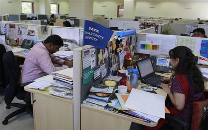 Q4 में TCS का मुनाफा और कारोबार दोनों 4.2 प्रतिशत बढ़ा, 6,608 करोड़ रुपए का हुआ शुद्ध लाभ- India TV Paisa