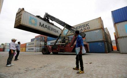 मार्च में भारत का निर्यात 27.6 फीसदी उछला, सोने के आयात में बढ़ोतरी से व्यापार घाटा 10.4 अरब डॉलर हुआ- India TV Paisa