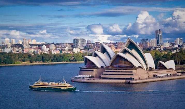 अमेरिका के बाद ऑस्ट्रेलिया ने दिया भारतीय पेशेवरों को झटका, खत्म की लोकप्रिय 457 वीजा स्कीम- India TV Paisa