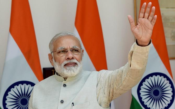 PM मोदी ने शुरू की सस्ते हवाई सफर वाली उड़ान स्कीम, 1 घंटे के सफर की कीमत 2500 रुपए- India TV Paisa