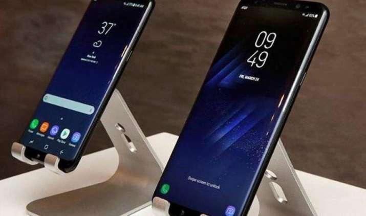 अब Samsung Galaxy S8 में भी आ रही है वायरलेस चार्जिंग की समस्या, डिसप्ले में भी लाल रंग के टिंट आए नजर- India TV Paisa