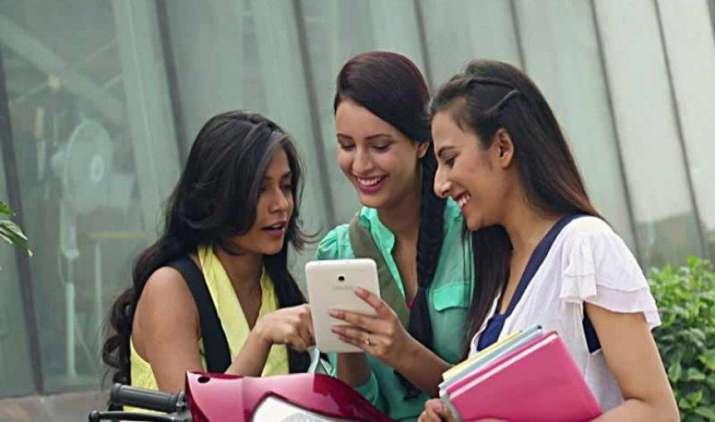 ऐसे पता करें कौन-कौन देख रहा है आपकी WhatsApp प्रोफाइल, ये है पूरा प्रोसेस- India TV Paisa
